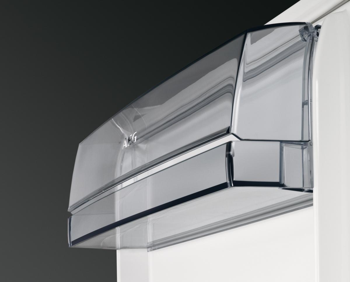 aeg scb61816ns a einbau k hl gefrierkombination 178cm schleppt r technik nofrost g nstig. Black Bedroom Furniture Sets. Home Design Ideas